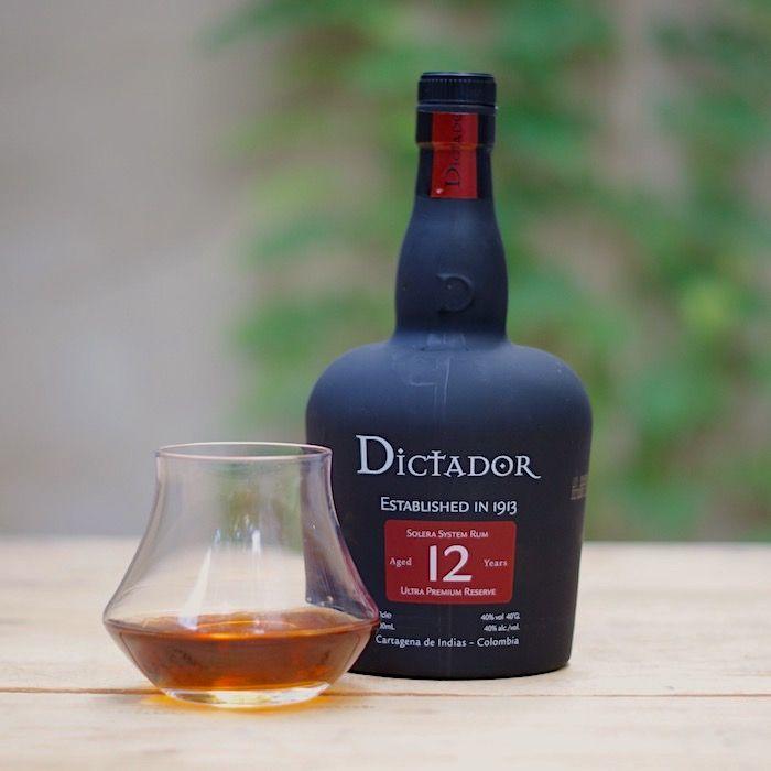 bouteille de rhum Dictador